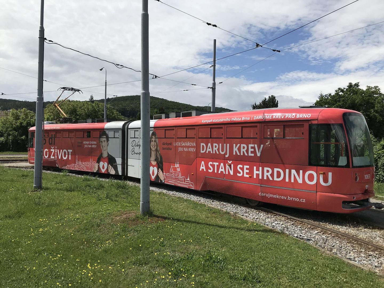 Pro statutární město Brno jsme zrealizovali polep tramvaje propagující dárcovství krve