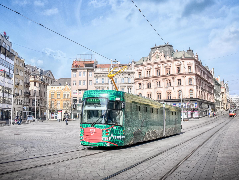 Tramvaj EVO2 (přezdívaná Drak) v Brně