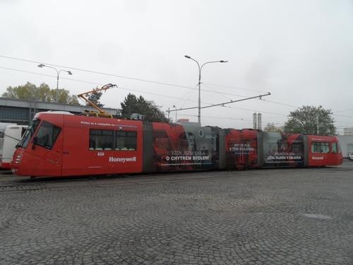CELOPOLEP - TRAMVAJ Škoda 13T (včetně oken)