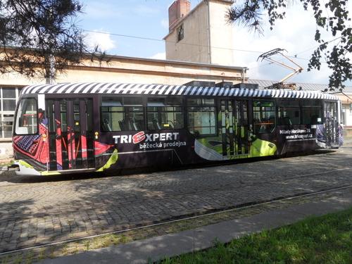 CELOPOLEP - tramvajová souprava VarioLF + VarioLF (bez oken)
